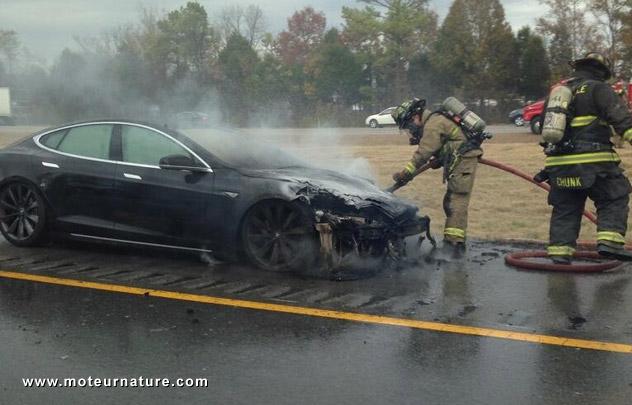Tesla en feu
